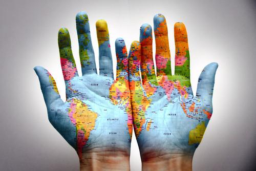 وطن من؛ دست هاي تو