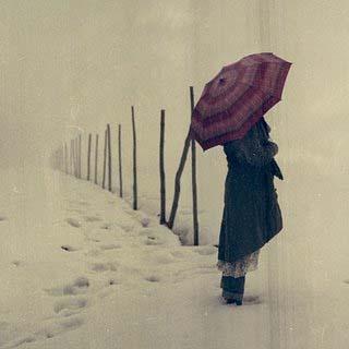 این منم؛ زنی تنها در آستانۀ فصلی سرد
